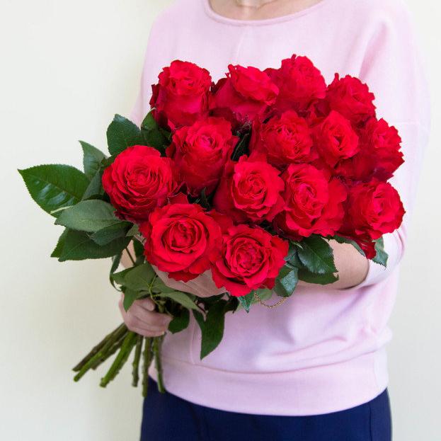 Купить 15 роз в Нижнем Новгороде с бесплатной доставкой