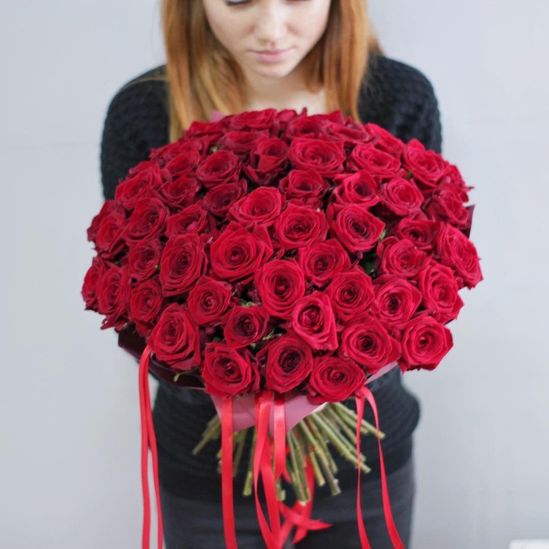 Купить красные розы с доставкой в Нижнем Новгороде