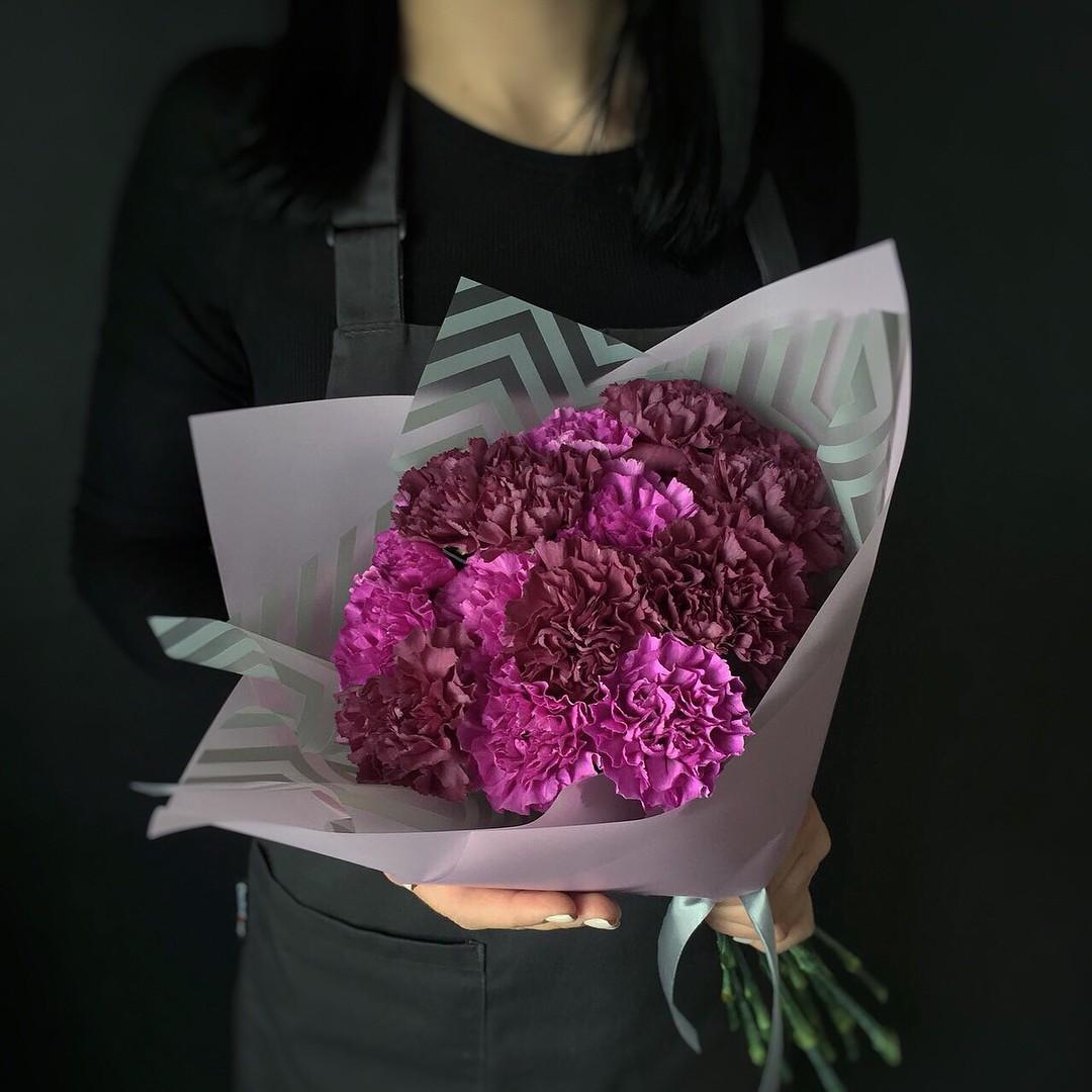 Гвоздики купить букет в Нижнем Новгороде на 9 мая